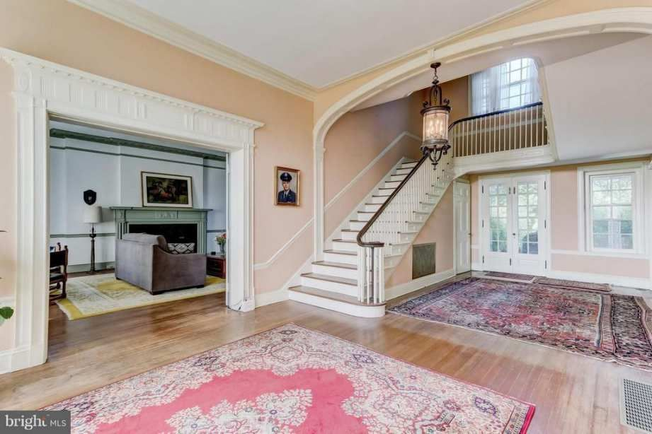 1912 Colonial Revival Baltimore, MD 600,000 Old