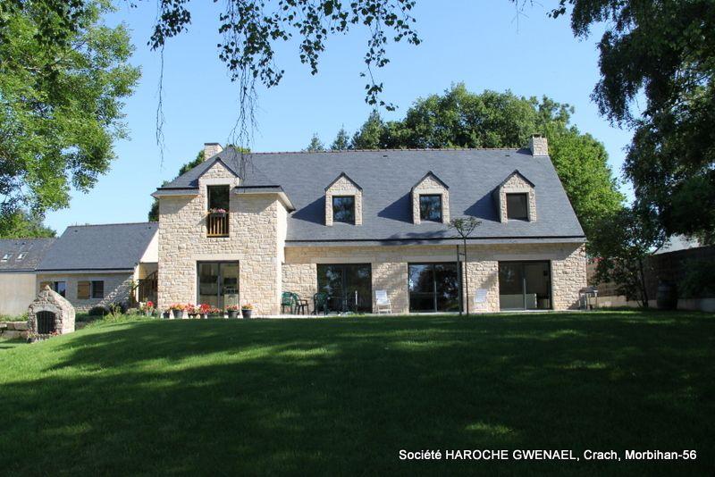 Maison traditionnelle o l 39 ensemble des fa ades a t r alis e en granit mo llon d 39 elven pose - Maison en moellon ...