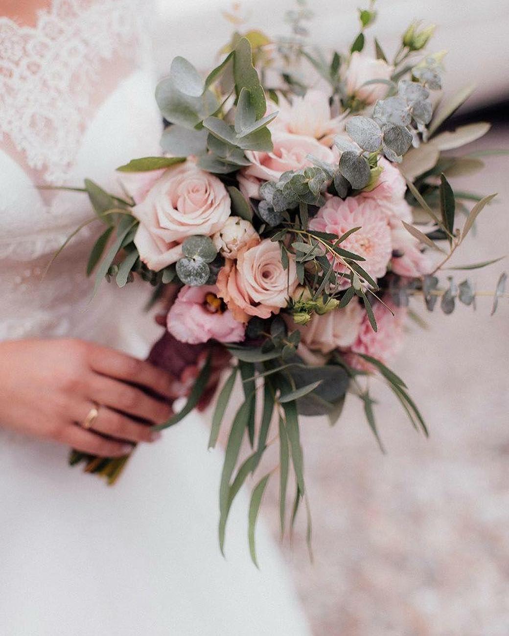 Blumenstil Schwabhausen On Instagram Brautstrauss Hochzeit Hochzeitsfloristik Hochzeitsinspiration Blu Instagram Eucalyptus Wedding Floral
