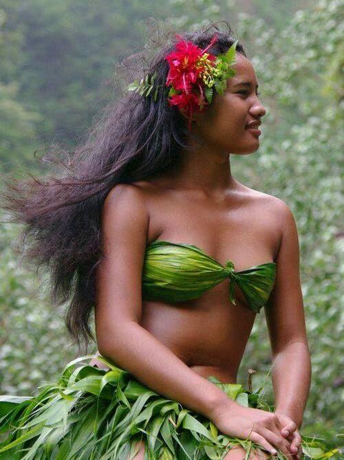 Gypsy Purple Loves Polynesian Hotties Wunderschöne Frau