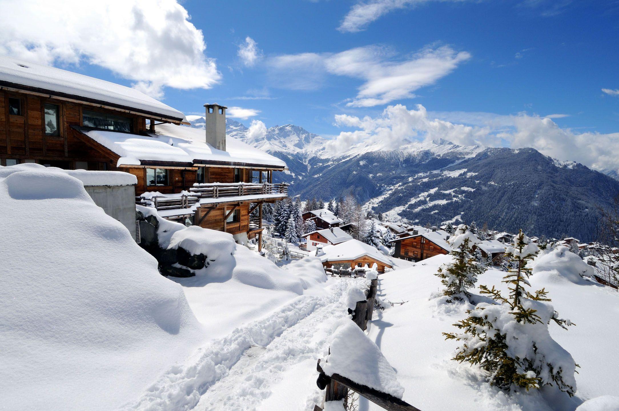 Verbier Ski Chalets in Switzerland with Interactive Resorts