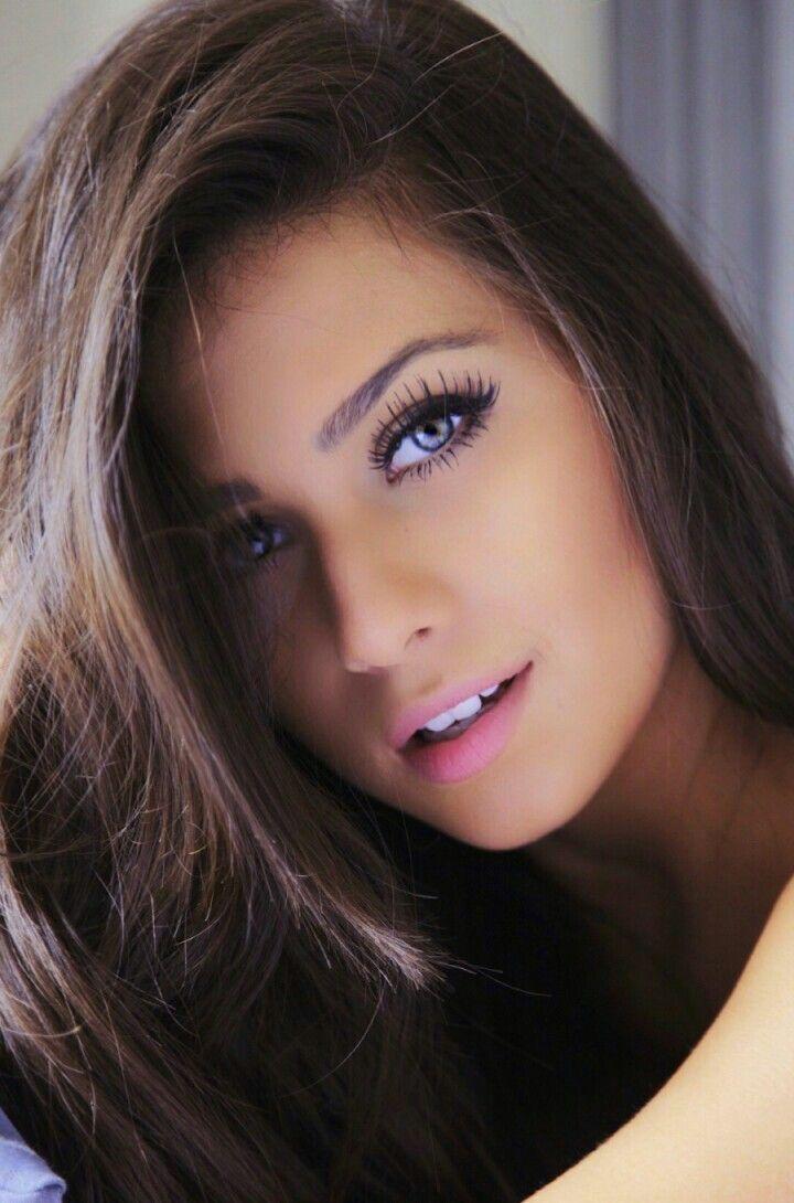 Зрелой очаровательные красивые девушки трансвестита улице