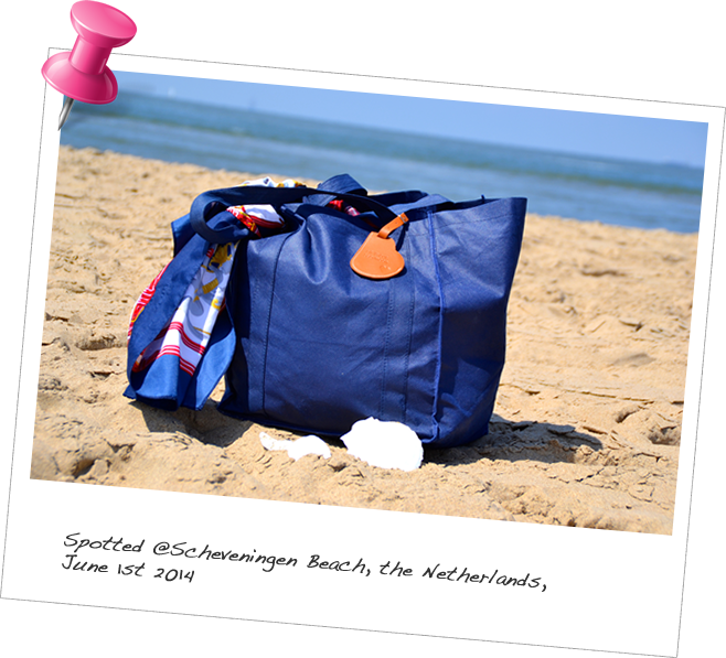 Our BabyMoon Luggage Tag spotted at Scheveningen Beach, the Netherlands