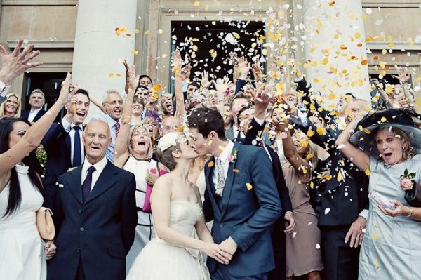 Tossing Rice At The NewlyWeds: Incredible American Wedding Traditions to follow