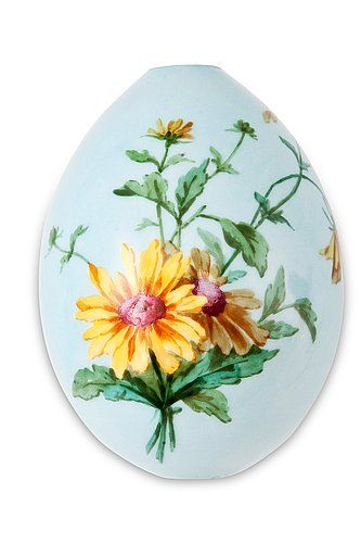 A Russian Porcelain Easter Egg. Early 20th century. Height 10,5 cm.