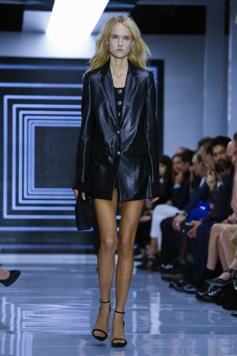 Versus Ready To Wear Spring Summer 2016 London - NOWFASHION