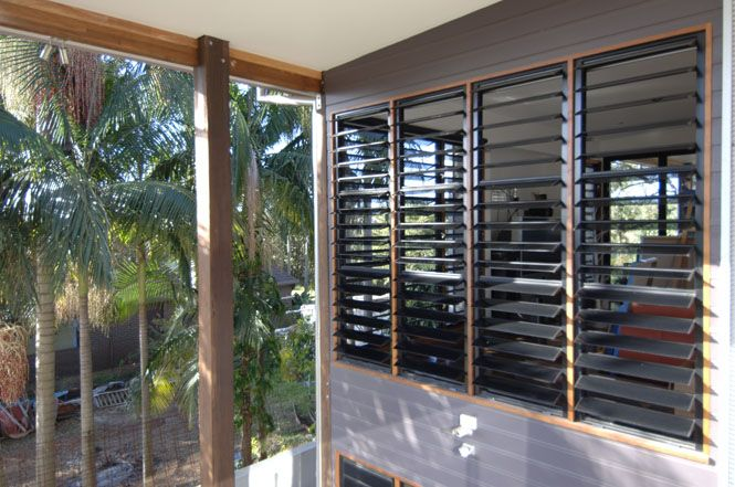 jalousie louvre windows balkon pinterest balkon. Black Bedroom Furniture Sets. Home Design Ideas