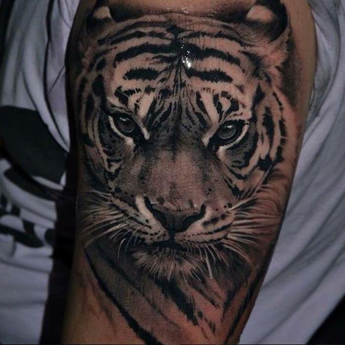 tiger tattoos oberarm oberarmtattoo wei es t shirt. Black Bedroom Furniture Sets. Home Design Ideas