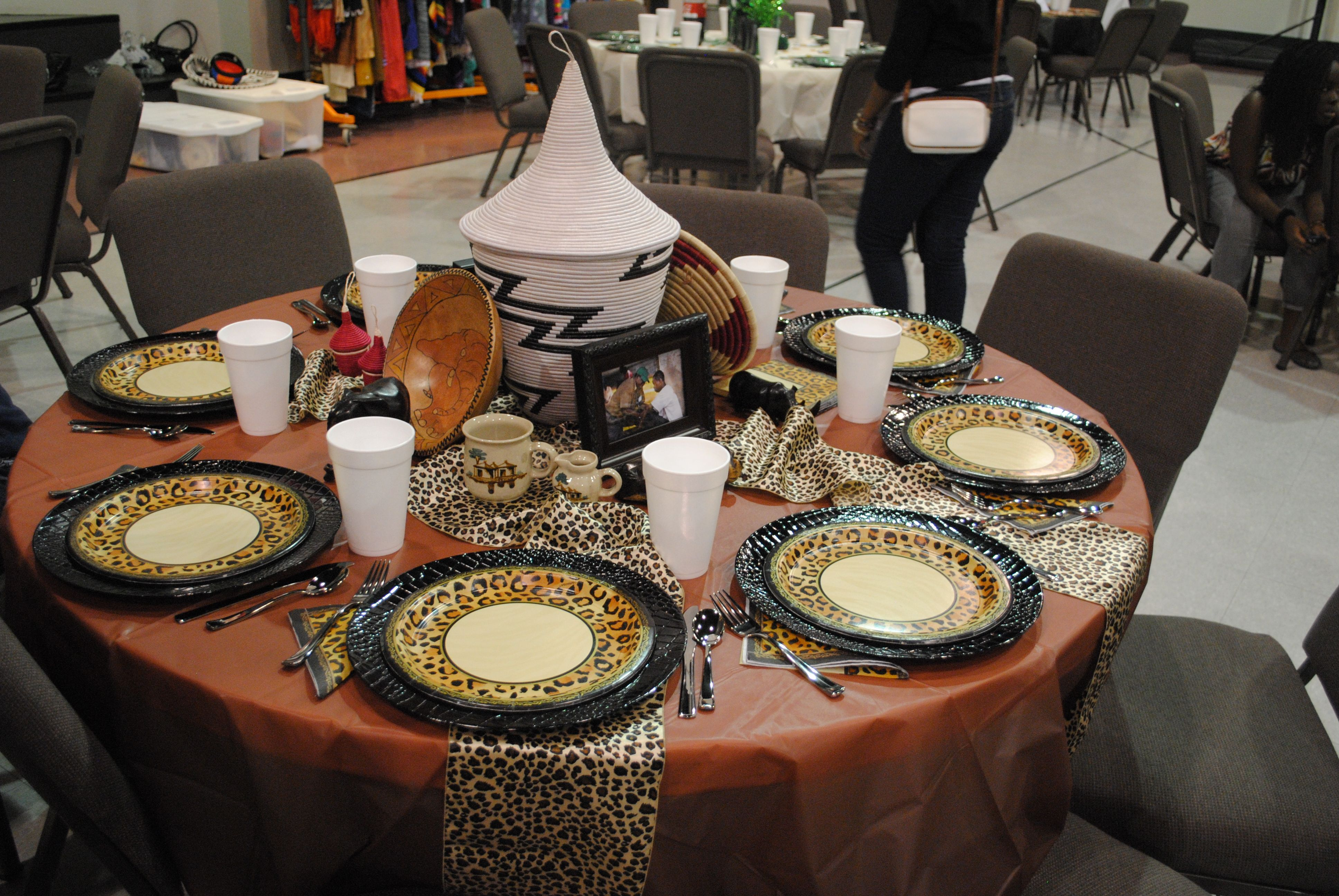 Zulu wedding decorations  African Table Decoration  je tuadore Ethiopian food  ideas for the