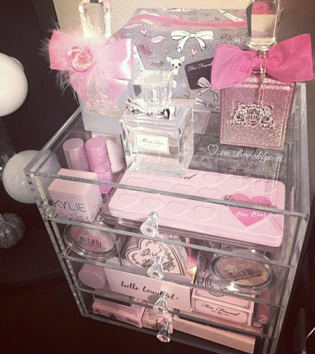 ℓαυrαℓιи in 2020 Pink bedroom decor, Pink room, Girl