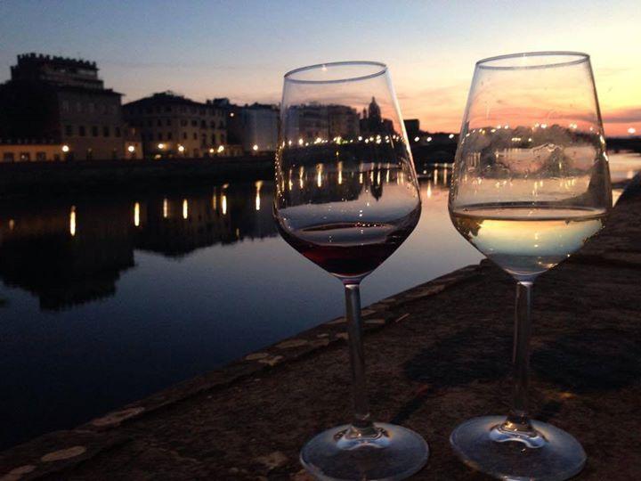 Aperitivo Romantico Sul Fiume Firenze è Anche Questo