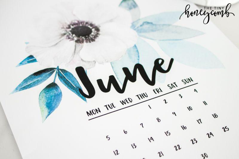 How to make your own Printable Calendar + free printable Printable