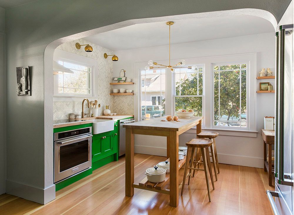 Before and After A Dated Kitchen Gets a Functional Makeover