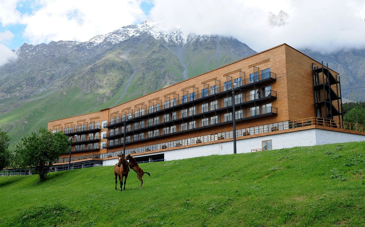 Kazbegi rooms stepantsminda georgia · caucasus mountainshotel spaluxury
