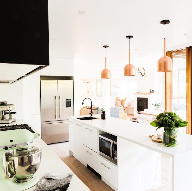 Kitchen & LoungeThe