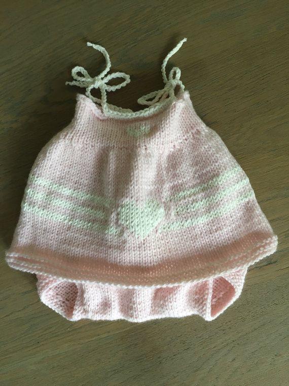 Handgebreide Babykleertjes In Diverse Soorten Van Haakmadam Op Etsy