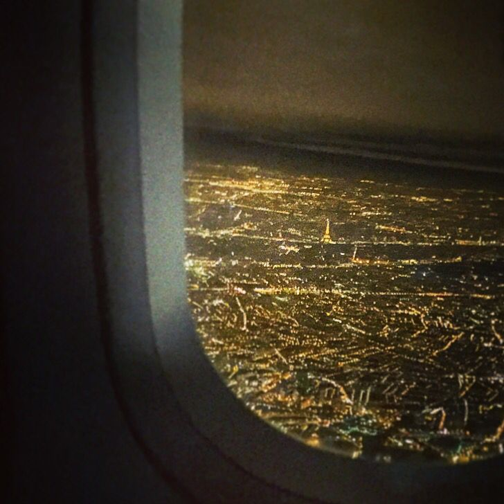 Landing in Paris! Beautiful Eiffel tower from the air