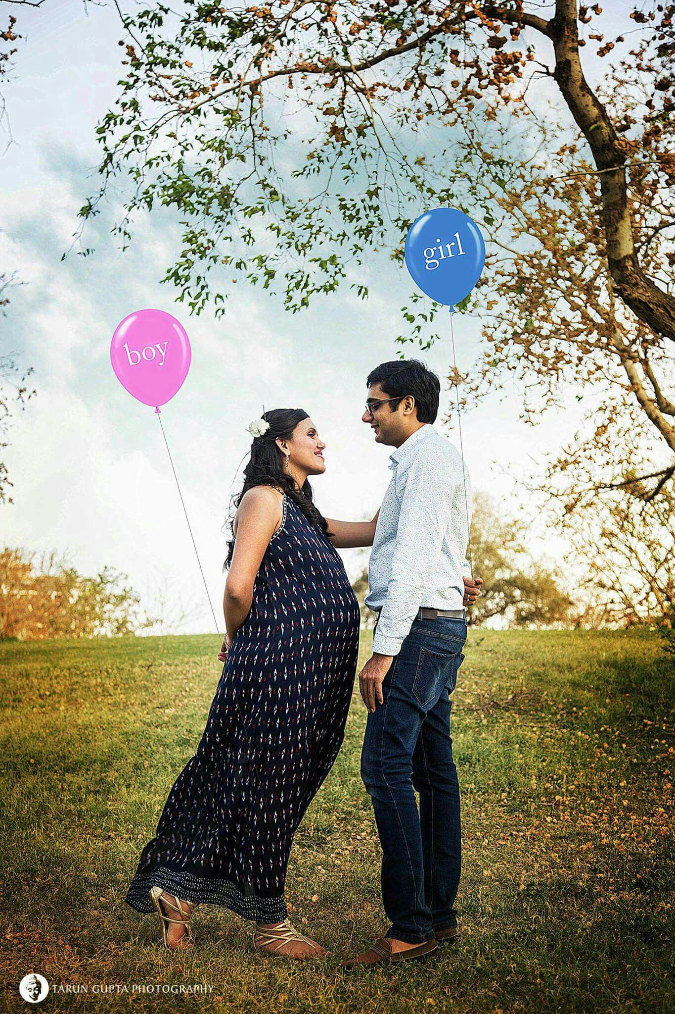 What are best poses for Pre-maternity photo shoot in