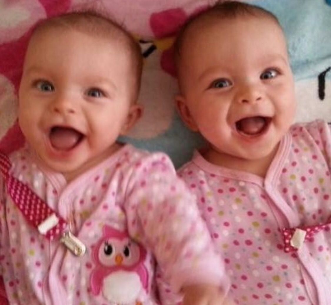 Pin By Stephanie Sarantos On Twin Baby Baby Pictures Cute Kids