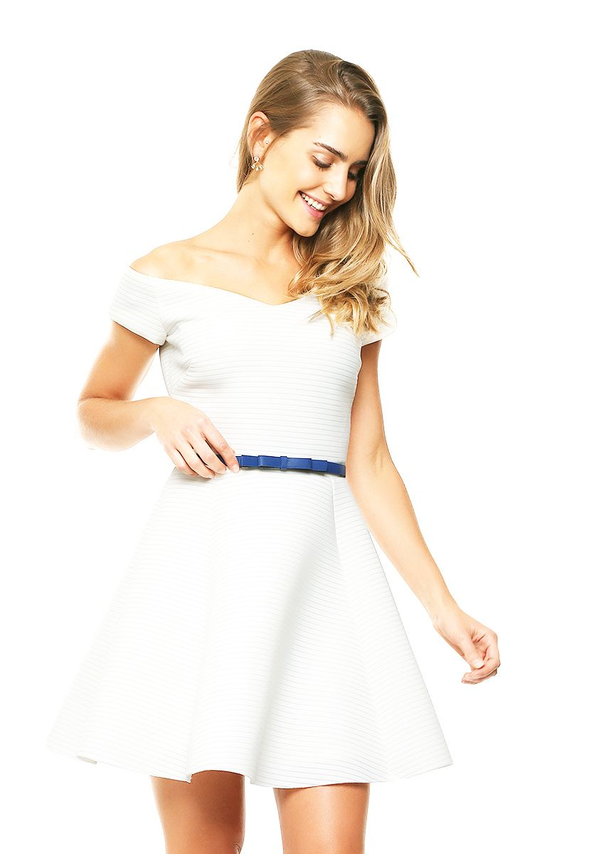 Vestido blanco con manga corta