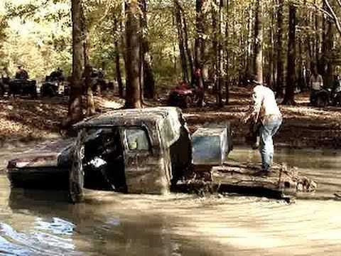 Monster Ford Mud Truck On 54 Quot Boggers Sinks In Mud Hole