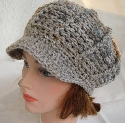 Chic in Strick: Schirmmütze im Reliefmuster   Crochet & Knitting ...