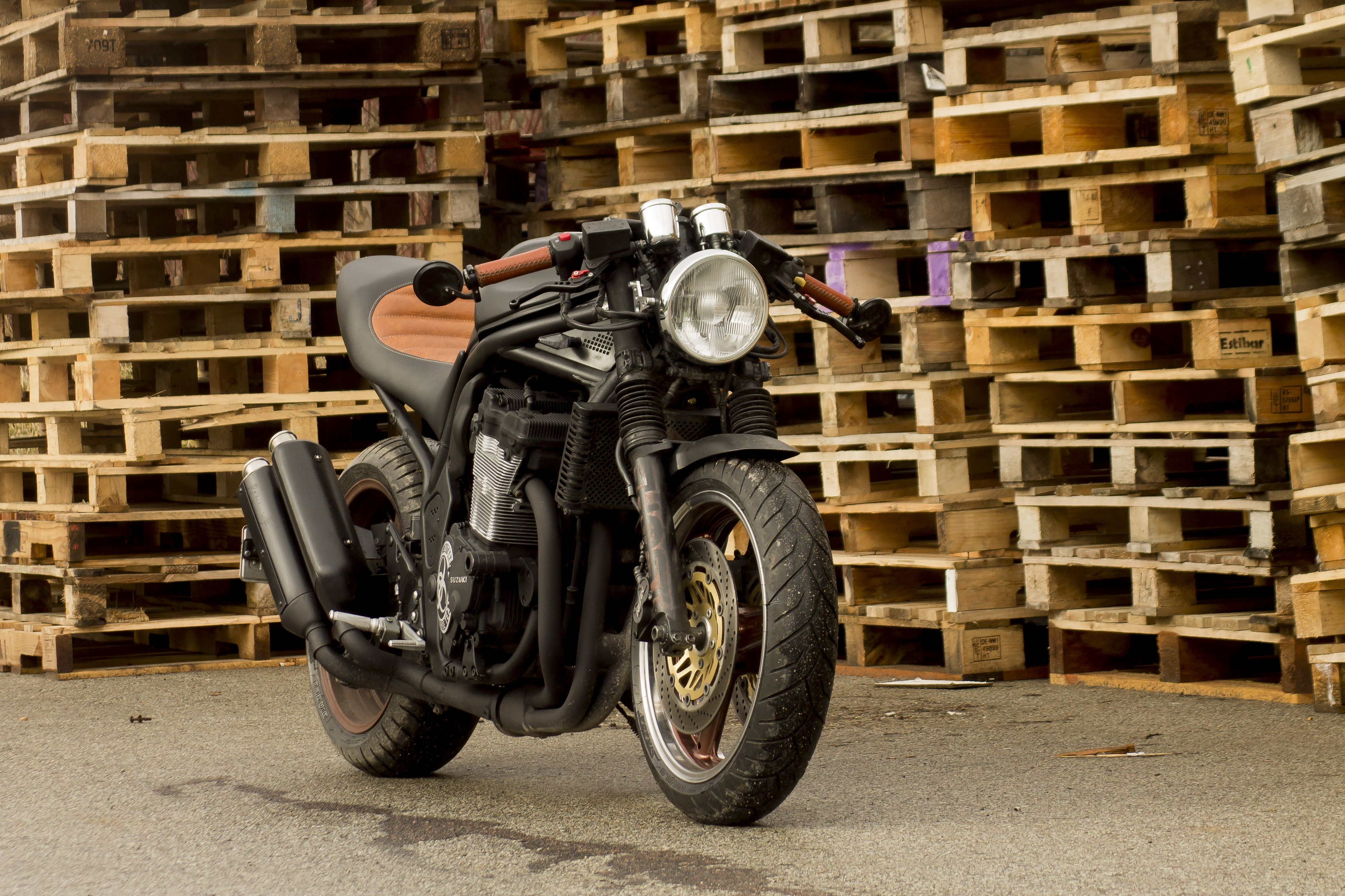 Studio Motors custom Suzuki Bandit - Bike EXIF