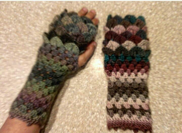Dragon Scale Fingerless Gloves Pattern By Yolanda Oliver