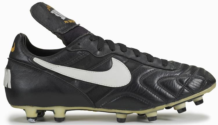 nike-tiempo-legend-touch-of-gold-2005-2.jpg (940×627) | New Nike Tiempo  Project | Pinterest