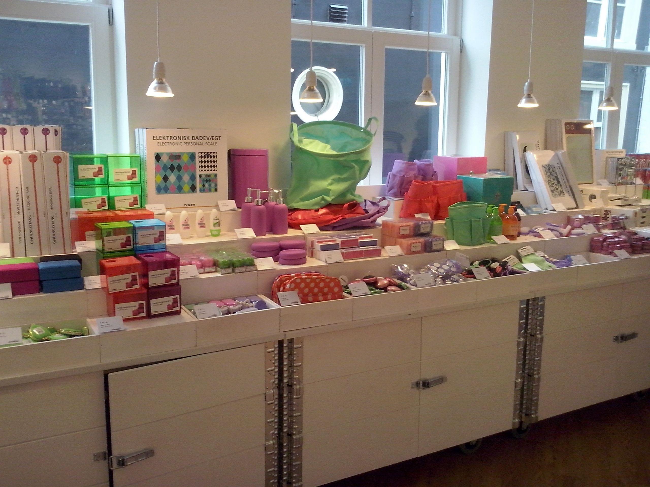 flying tiger store amsterdam love it click photo pinterest shop ideas. Black Bedroom Furniture Sets. Home Design Ideas