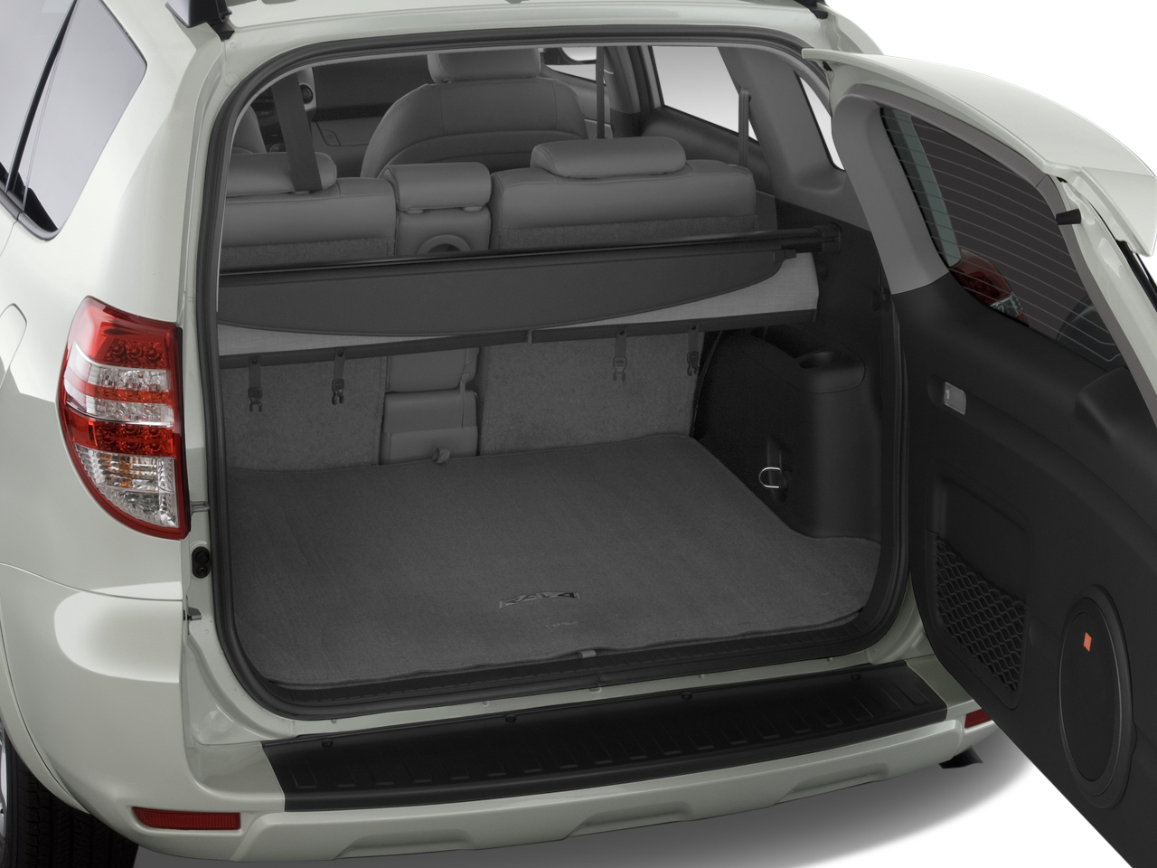 Extra Large Trunk Capacity Enough For 4 Suitcases