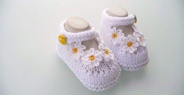Exklusive Baby Schuhe Mit Blümchen Zb Für Die Taufe Selber Häkeln