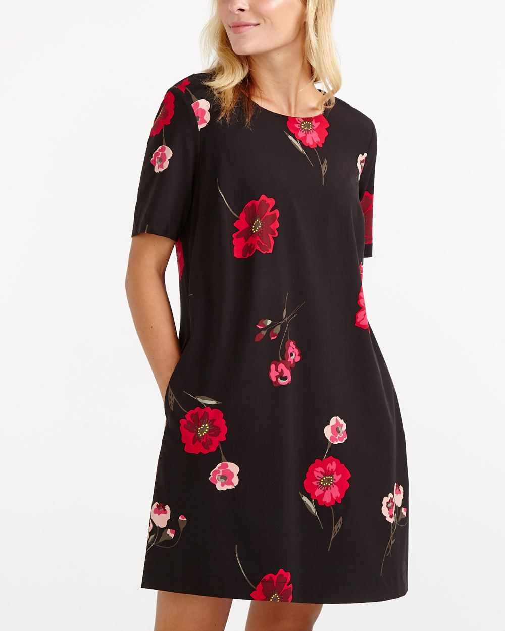 This short sleeve floral swing dress will make you feel pretty