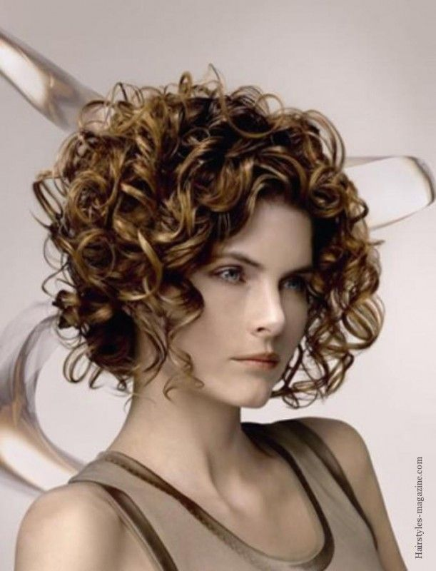 Best Curly Inverted Bob Hairstyles Chic Cortes Cabelos Pinterest