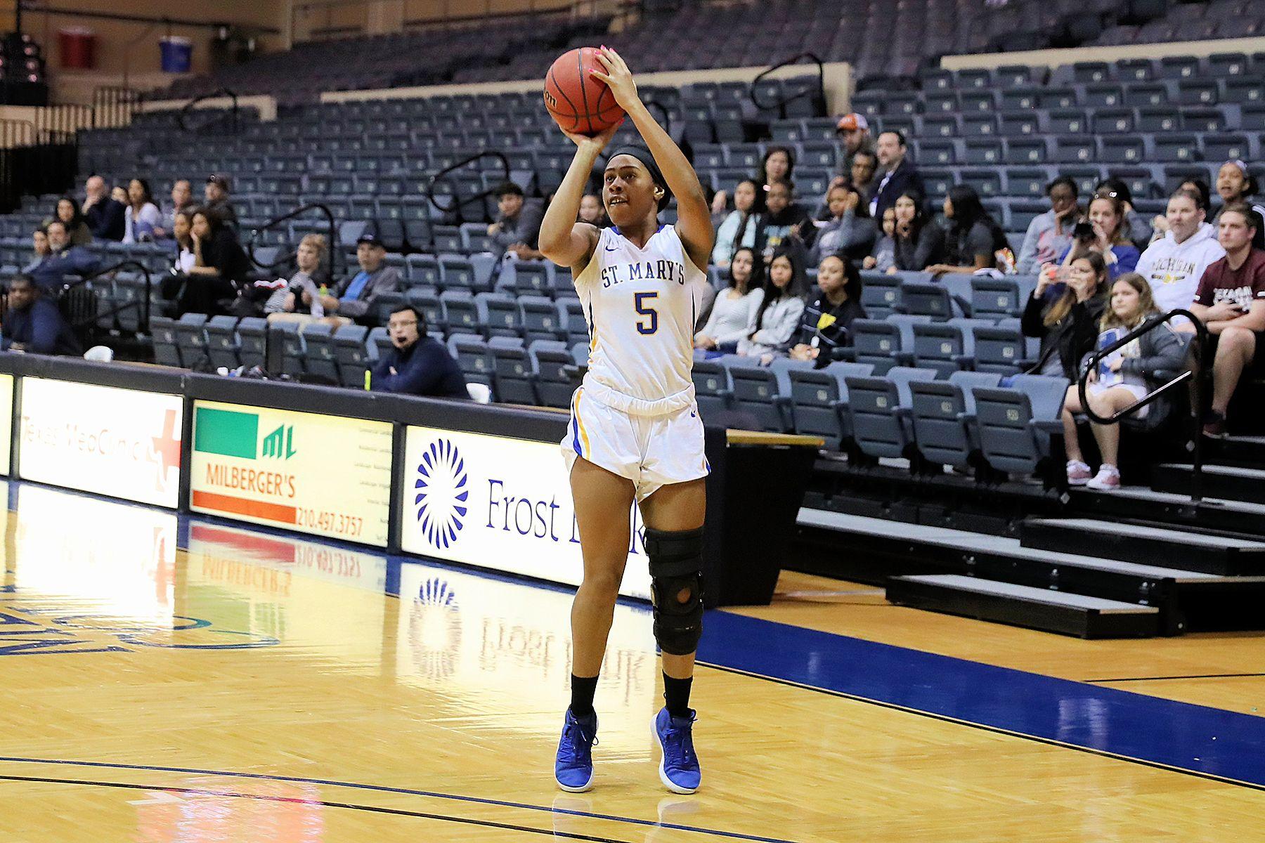 Stmu Women S Basketball Defeats St Ed S 56 37 Womens Basketball Basketball Athlete