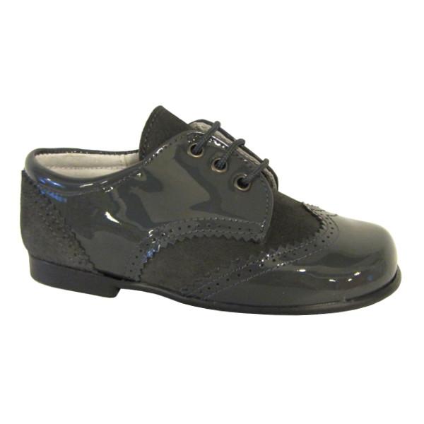 a086ee81b Zapato inglés niño charol serraje gris oscuro — en Zapanines ...
