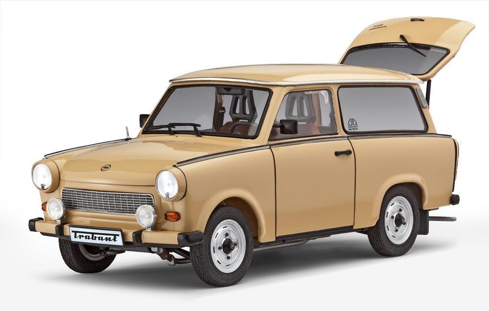 trabant 601 universal 1 24 scale plastic model kit from. Black Bedroom Furniture Sets. Home Design Ideas