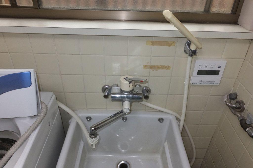 洗面所洗面台 シングルレバーバスシャワー混合水栓水漏れ修理 本体取替