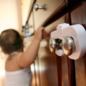 BABY SAFETY DREAM BABY CROCODILE DOOR STOPPER