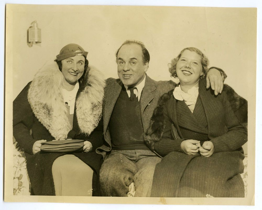 LEO CARRILLO With Wife And Daughter 1938 Vintage Press Photo Santa Monica Facebook Groups 64439729135