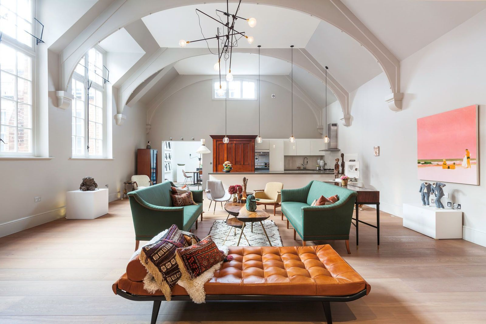 1900s Courthouse With Dramatic Vaulted Ceiling Transformed Into