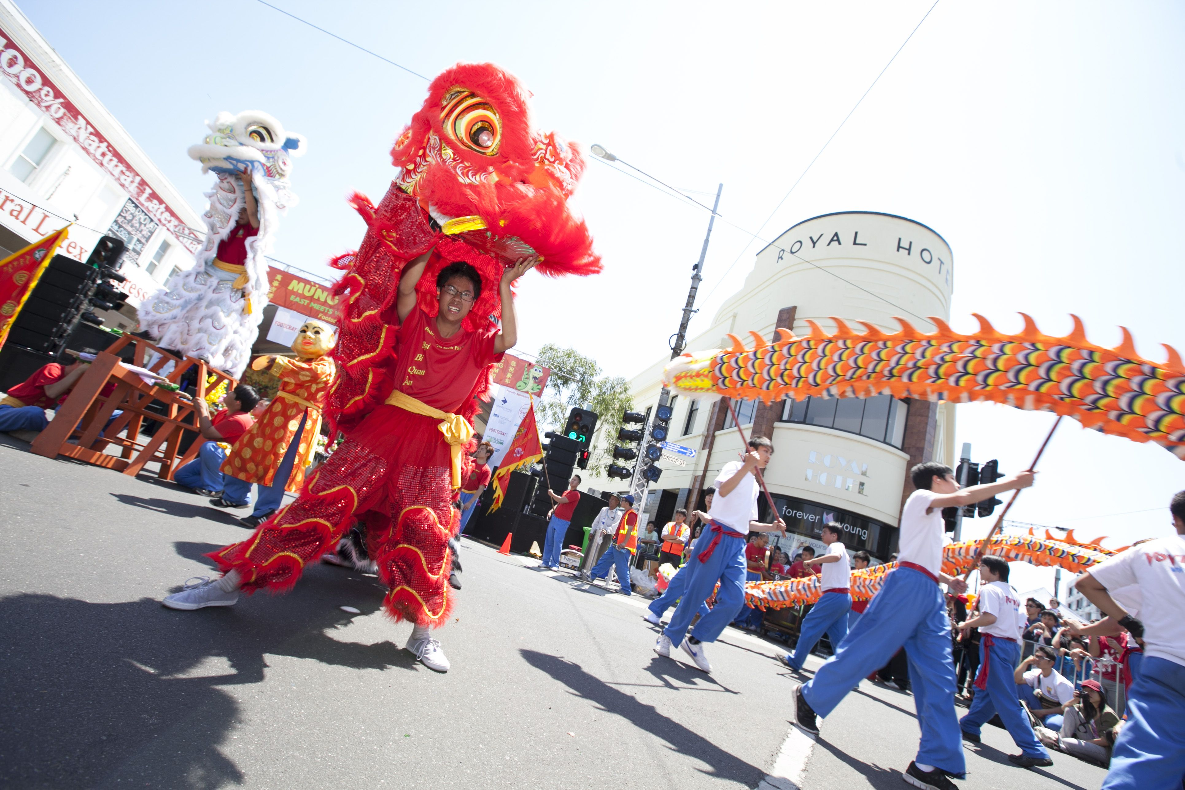 Five Ways To Celebrate Chinese New Year Discover Your Own Backyard Celebrities Newyear