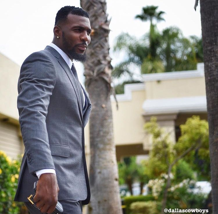 Pin By Nikki Fisher On Dez Bryant In 2019 Stylish Suit
