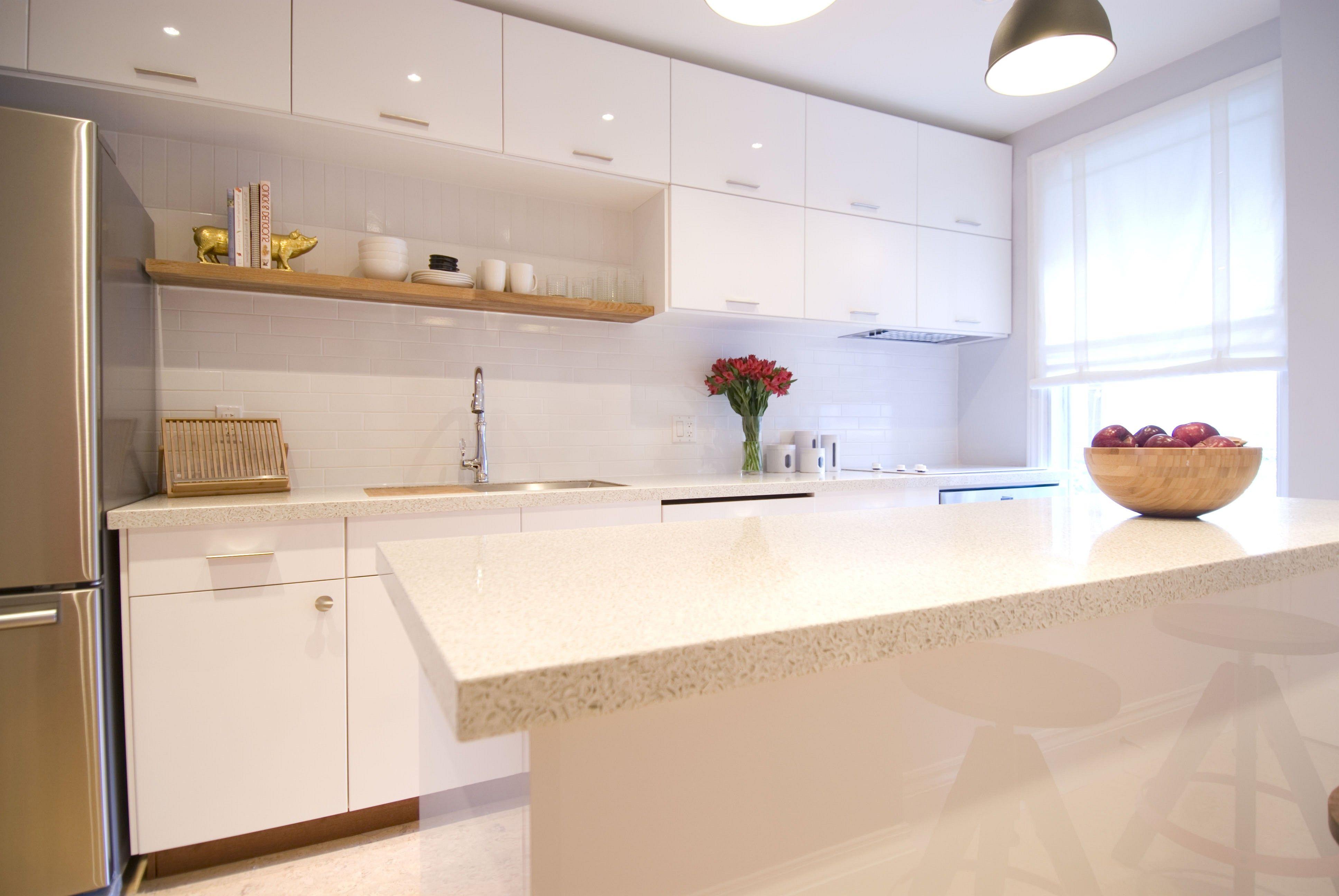 Die Kleine Küche Mit Weißen Schränke Modell Küche Weiße