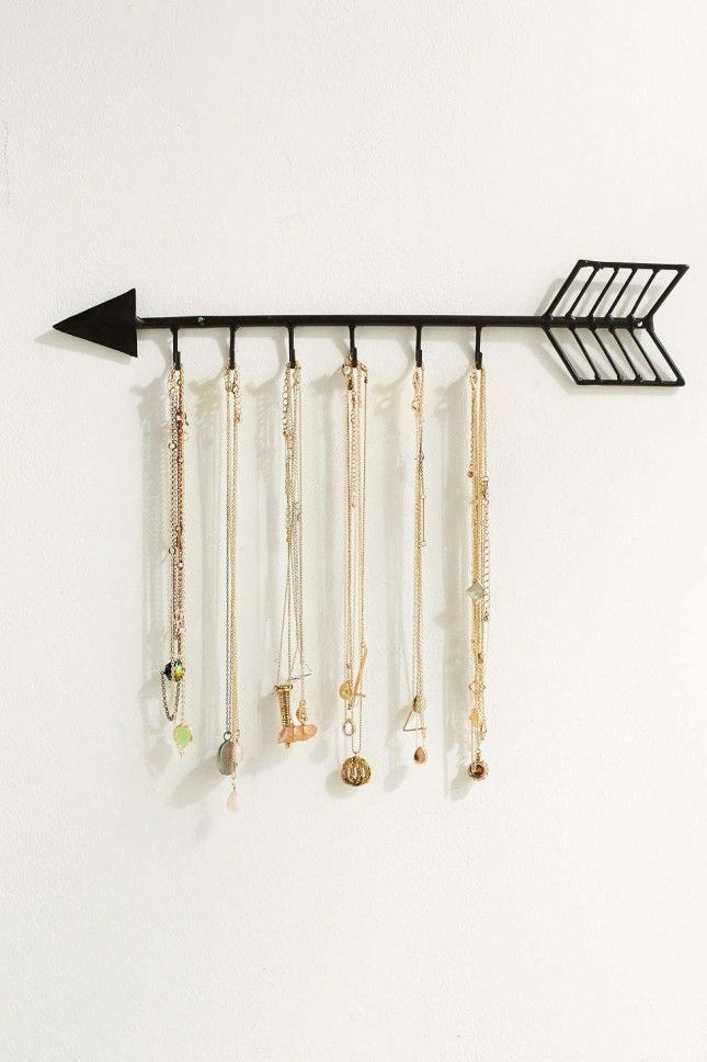21 Clever Ways to Organize Your Jewelry Necklace holder Arrow and