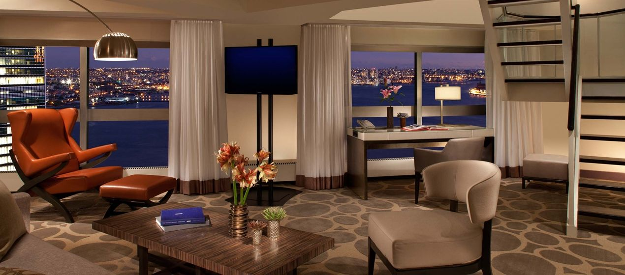 Millennium Hilton New York One Un Plaza Hotel Ny Two Room Executive Duplex Suite Ny 10017 Millennium Hotel Hotel Hotels And Resorts