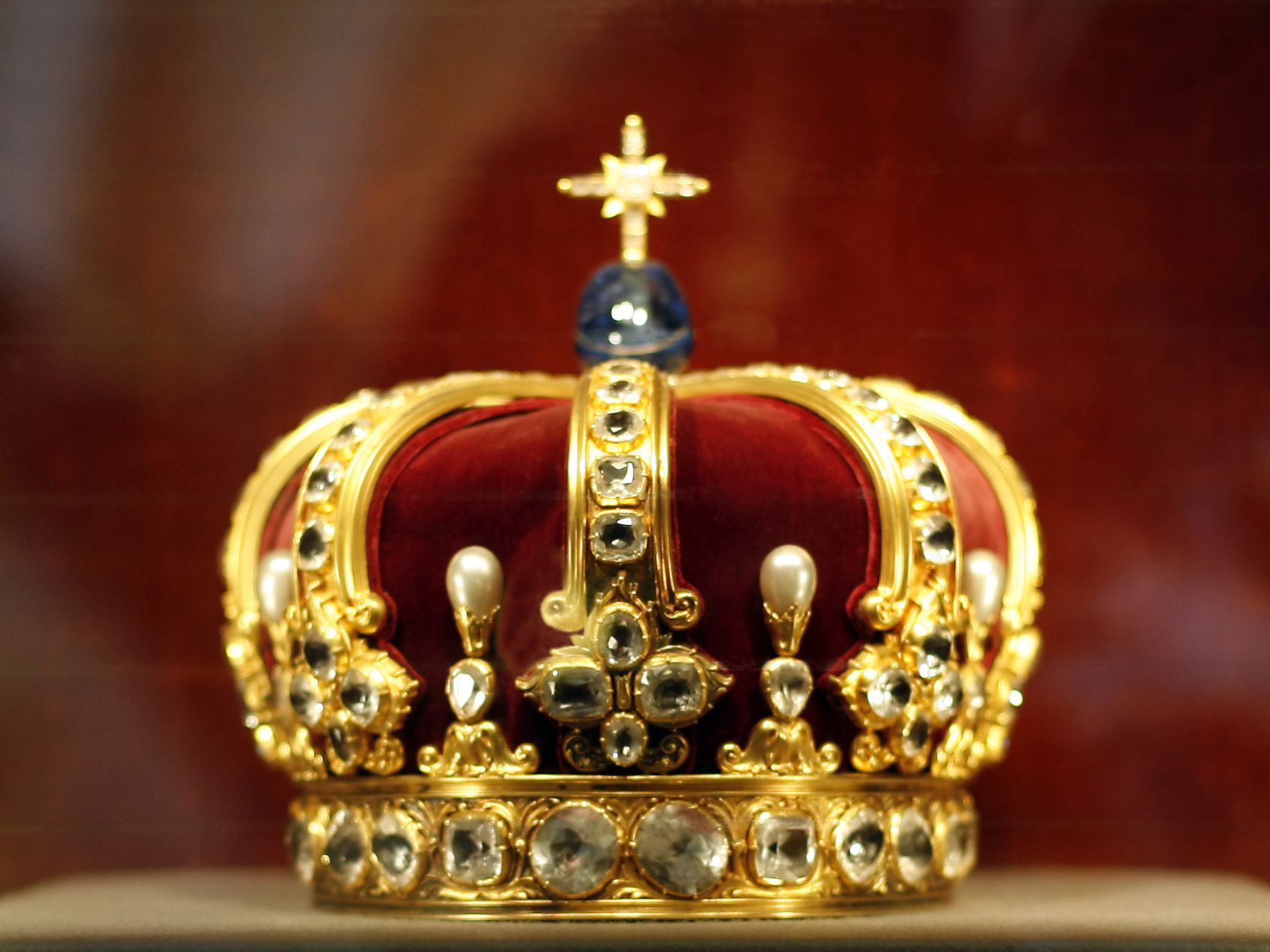 Behold Your King John 19 8 15 Freedom Baptist Church Royal Crowns Crown Jewels Crown Royal
