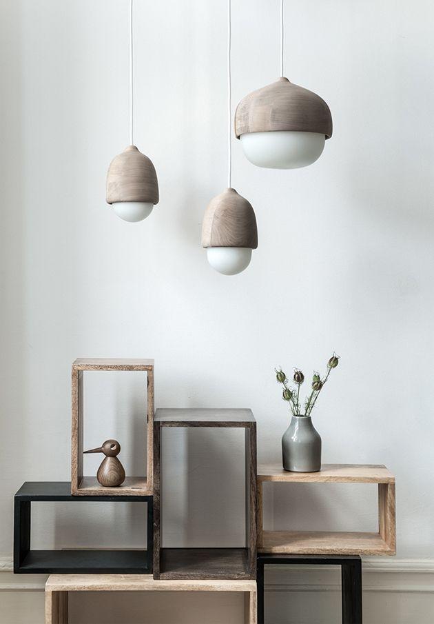 Herlig og stilren nordisk lampe for å feste på vegg. Passer