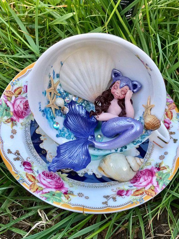 Ornamento di argilla e resina polimerica, sirena sulla tazza di tè, bambole ooak, ooak mermaeids, Cina osso tazze di tè decorati, casa arredamento, decorazioni di sirena