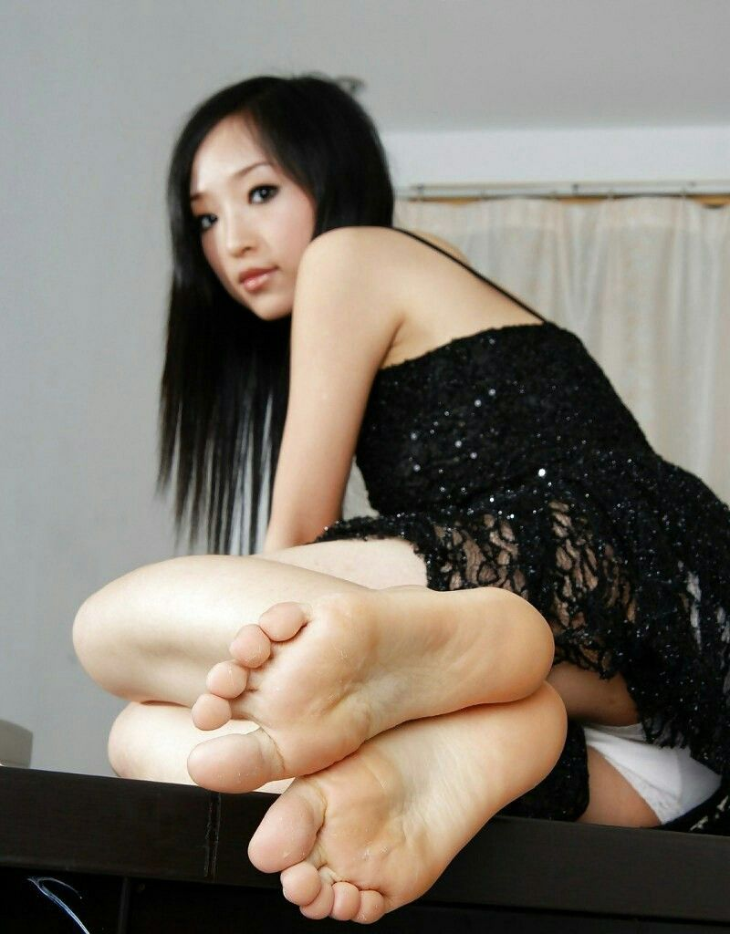 asian escort sex toes
